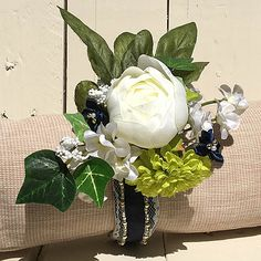 Wrist corsage for the Mother of the Groom. #handmadewithjoann