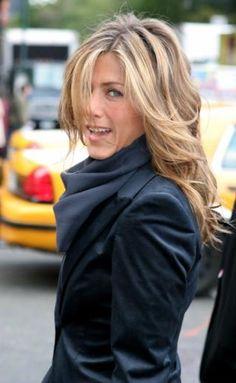 Beauté Blonde, Lange Blonde, Brown Blonde Hair, Hair Color For Black Hair, Wavy Hair, Blonde Honey, Honey Hair, Jennifer Aniston Hair Color, Jennifer Aniston Pictures