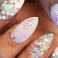 Nails Unicorn nails shoutout to for helping me and sending me a clip o. Unicorn nails shoutout to for helping me and sending me a clip of how to do the unicornhorn nail Diy Unicorn, Unicorn Nail Art, Unicorn Nails Designs, Unicorn Party, Get Nails, Fancy Nails, Gorgeous Nails, Pretty Nails, Crome Nails