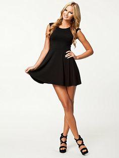Plain Flow Skirt Skater Dress - Ax Paris - Svart - Klänningar - Kläder - Kvinna - Nelly.com