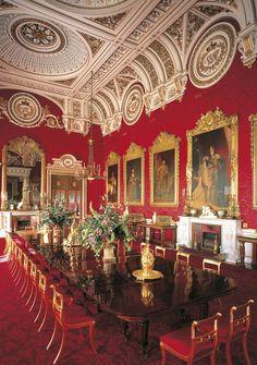 Buckingham-Palace-State-Dining-Room