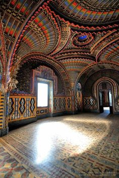 Firenze: luci e colori del castello di Sammezzano Wonderful Places, Beautiful Places, World Discovery, Postcards From Italy, Firenze Italy, Travel Specials, Italy Holidays, The Beautiful Country, Visit Italy