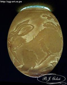 carved ostrich egg-hand-made by Bogusława Jystyna Goleń Poniatowa Poland