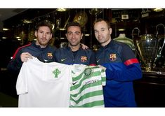 A lifetime of Celtic FC: 125 pics for 125 years World Football, Football Kits, Football Cards, Xavi Hernandez, Cup Games, Celtic Fc, Everton Fc, Lionel Messi, Happy Anniversary