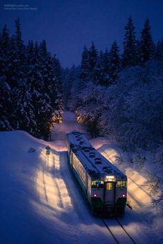 The magical Polar Express experience. Have done the Grand Canyon Railway a number of times. Would like to take the kids on some of these others. By Train, Train Tracks, Train Rides, Grand Canyon Railway, Train Polar Express, Winter Szenen, Winter Night, Winter Season, Japan Photo