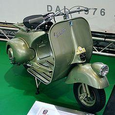 Vintage Vespa, Vespa Lambretta, Sidecar, Scooters, Peeps, Motorcycles, Classy, Bike, Vehicles