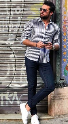 36 Awesome Spring Outfits Ideas For 2019 Mens summer fashion, sunglasses and shirt discountedsunglas Summer Outfits Men, Spring Outfits, Summer Men, Summer Ideas, Stylish Men, Men Casual, Stylish Outfits, Poses For Men, Men With Street Style