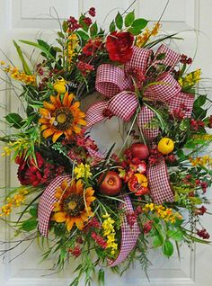 LADY BUG WREATHS | email Nancy: nancy@ladybugwreaths.com