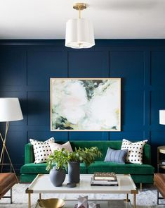 33 Charming Rustic Living Room Wall Decor Ideas for a Fabulous Relaxing Space - The Trending House Green Accent Walls, Accent Walls In Living Room, Living Room Color Schemes, Living Room Designs, Blue And Green Living Room, Green Rooms, Blue Rooms, Room Wall Decor, Living Room Decor