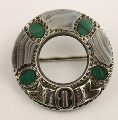 Agate brooch