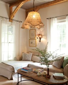 This Interior Designer's Quaint Cottage is Clutter-Free and Packed with Charm – Page 2 of 2 – Cottage Journal - Home Accents living room Cottage Living Rooms, Cottage Homes, Home And Living, Living Room Decor, Quaint Living Room Ideas, Small Living, Kitchen Living, Salons Cottage, Estilo Country