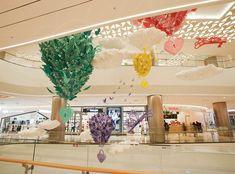 Open your dreams- lotte mall seoul - studioxag artwork в 201 Mall Design, Retail Design, Lotte World, Display Design, Visual Merchandising, Seasonal Decor, Dreaming Of You, Dreams, Shopping Malls
