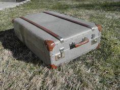 Schrankkoffer Kleiderkoffer Überseekoffer von Pepita Antik Vintage Shop auf DaWanda.com