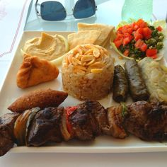 Barranquilla Colombian Cuisine, Colombian Recipes, Middle East Food, Colombian Coffee, Spanish Speaking Countries, Exotic Fruit, Arabic Food, How To Speak Spanish, The Good Place