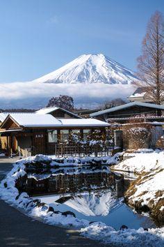 Fuji reflection, Oshino-Hakkai, Yamanashi 山中湖 忍野村 忍野八海 鏡池