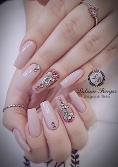 35 Outstanding Short Coffin Nails Design Ideas For All Tastes - U-as-decoradas