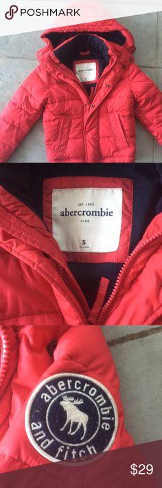 Abercrombie kids boys puffer coat small Abercrombie kids boys puffer coat small. EUC. Slight dirt markings on sleeve openings. Abercombie Kids Jackets & Coats Puffers
