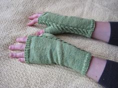 Balls to the Walls Knits: Staghorn Fingerless Gloves