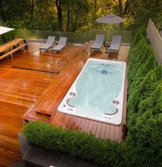 Cozy Modern Outdoor Bathtub Design Ideas 14 image is part of 30 Stunning Cozy Modern Bathtub Dream Design Ideas gallery, you can read and see another amazing image 30 Stunning Cozy Modern Bathtub Dream Design Ideas on website Pool Spa, Endless Swimming Pool, Endless Pools, Langer Pool, Whirlpool Deck, Cheap Pool, Outdoor Bathtub, Hot Tub Deck, Hot Tub Backyard