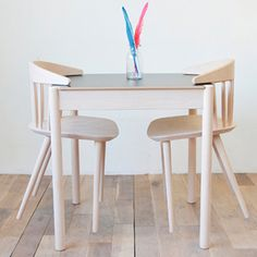 J104 - C44 TABLE HAY http://decdesignecasa.blogspot.it