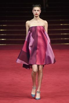 View the full Spring 2018 couture collection from Alexis Mabille.