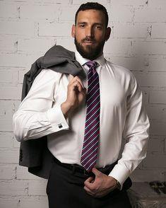 Mens Fashion Suits, Mens Suits, Moustache, Suit Man, Costume Sexy, Designer Suits For Men, Blue Suede Shoes, Suit And Tie, Well Dressed Men