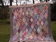 """Jane Says"" quilt pattern / Fabrics are Liberty of London a Kaffe Fasset design. Blog: Sew Tessuti -- I'm in love!"