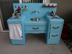 Old Dresser=Homemade Play Kitchen welovebeingmoms. Diy Kids Kitchen, Kitchen Ideas, Childrens Kitchens, Diy Kids Furniture, Furniture Stores, Bedroom Furniture, Furniture Design, Old Dressers, Diy Toys