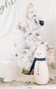 Chic White Christmas Decor for Little Girls bedroom, white holiday decor, Treetopia white tree prelit, Modern Burlap Muslin swaddle blankets hung as White Christmas Trees, Christmas Tree Design, Christmas Decorations, Pine Garland, Holiday Crafts, Holiday Decor, Tree Designs, Tree Toppers, Girls Bedroom