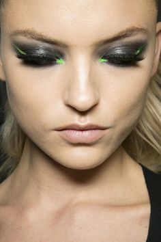 Look of the year, it just works: Smokey eye upgraded with graphite grey with lime green cut eyeliner, nude lip