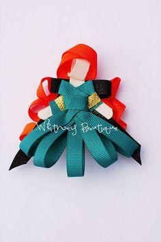 Items similar to Green Dress Princess Hair Clip on Etsy Ribbon Art, Ribbon Crafts, Ribbon Flower, Bow Hair Clips, Hair Bows, Merida Hair, Disney Hair, Diva Design, Hair Ribbons