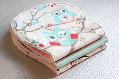 Sara's Code: Blog de Costura + DIY: DIY: Cómo hacer toallas de eructar para bebé con tela minky