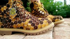 Beekeeper girlfriend got some sweet new shoes - Imgur