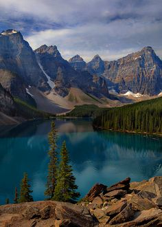 ˚The Majestic Moraine Lake - Canada