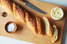 4 hour baguette recipe from Food 52 - Amazingly easy to make! Bread Recipes, Cooking Recipes, Cooking Games, Artisan Bread, How To Make Bread, Food 52, Diy Food, Food Ideas, Bread Baking