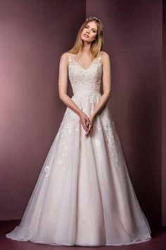 Ellis Bridals 18041 Wedding Dress Now In Stock At Krystle Brides