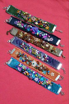 Zeynep's media content and analytics - new season bijouterie Fabric Jewelry, Boho Jewelry, Jewelry Crafts, Beaded Jewelry, Beaded Bracelets, Denim Bracelet, Denim Crafts, Beads And Wire, Beaded Embroidery