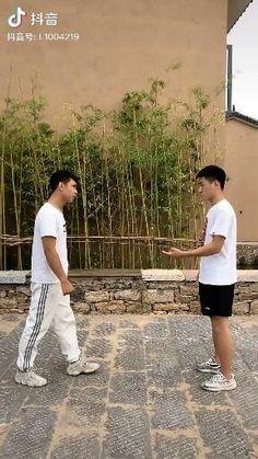 Krav Maga Self Defense, Self Defense Moves, Self Defense Martial Arts, Martial Arts Techniques, Self Defense Techniques, Martial Arts Workout, Martial Arts Training, Kickboxing Workout, Gym Workout Tips