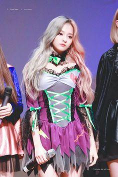 Cute Korean Girl, Cute Asian Girls, Beautiful Asian Girls, South Korean Girls, Pretty Girls, Kpop Girl Groups, Korean Girl Groups, Kpop Girls, Stupid Girl