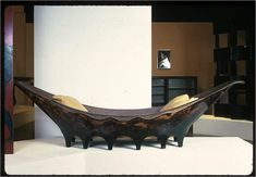 """Pirogue"" Chaise longue, 1920 // by Eileen Gray Modernist Movement, Eileen Gray, Interior Architecture, Interior Design, Famous Architects, Modern History, Victoria And Albert Museum, Bed Design, Furniture Design"