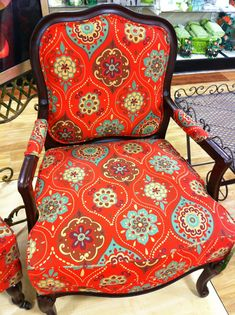 teal and red... I need this for my living room!