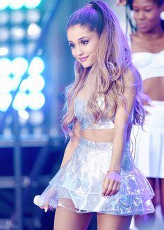 Ariana Grande ♡ ♔