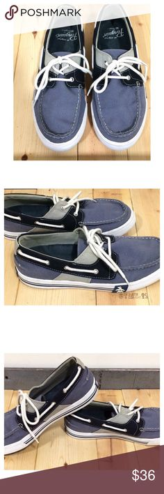 ORIGINAL PENGUIN MEN'S FLY OCEAN BOAT SHOE-SZ 9 Original Penguin men's Fly Ocean boat shoe in medium blue (wedgewood?), navy & gray canvas w/a rubber bottom half. Tried  2 capture exact colors in my pics. Pre-owned, but n great condition & a lot of life left n them. Look almost brand new. Insoles & sole show minimal wear. Areas on rubber of each shoe appear to be slightly worn but should come out w/gentle wash.  Also(c pic 7) on each shoe at tip r blue markings that may come out w/gentle…
