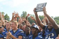 #mooresville Blue Devils with the #WCNC Team of the Week plaque