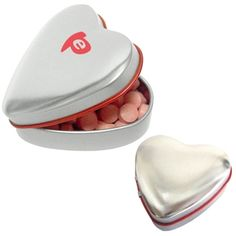 A #custom, heart-shaped tin of mints in the perfect #wedding favor. #epromos