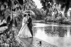 Wedding in the Rain - Hochzeitsfotografie in Hamburg / Germany. Brautpaar Shooting im Regen - www.Jasmina-Sun.com