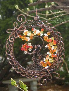 FAIT sur commande : Brigid déesse celtique irlandaise arbre de vie pendentif fil enroulé bijoux ou ornement Suncatcher