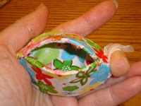 Handmade thimble holder made from plastic margarine lid.  This would be a cute coin purse too.  Have to try this.