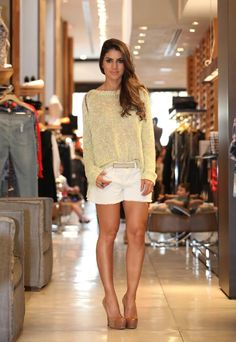 Photo by Camila Coelho Classy Outfits, Casual Outfits, Cute Outfits, Looks Style, Casual Looks, Short Outfits, Summer Outfits, Burgundy Outfit, Look Con Short