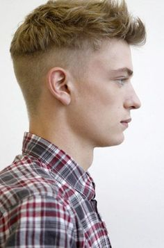 The disconnected undercut is the most popular variation of the classic undercut haircut. Take a look at these disconnected undercut inspirations. Mens Hairstyles Fade, Hipster Hairstyles, Undercut Hairstyles, Cool Hairstyles, Hairstyles 2018, Cool Haircuts, Haircuts For Men, Men's Haircuts, Medium Hair Styles